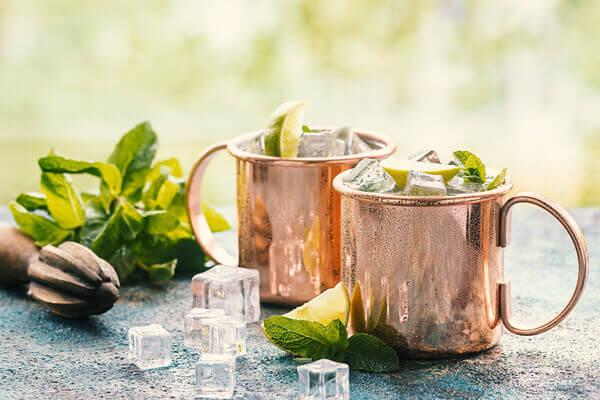 kupferbecher-für-cocktails