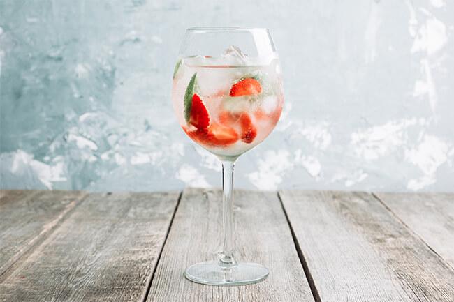 Lillet-wild-berry-cocktail-rezept